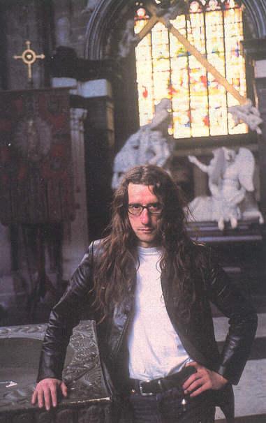 foto Colofon: &copy;  - Humo op 26-01-1999 (<a href=https://hermanbrusselmans.nl/foto/57>permalink</a>)